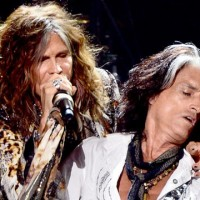 gty_steven_tyler_joe_perry_dm_120924_wg